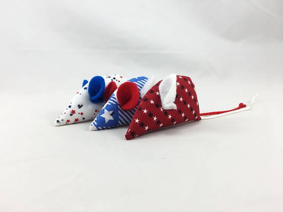 Make your cta's playtime patriotic with USA catnip mice.
