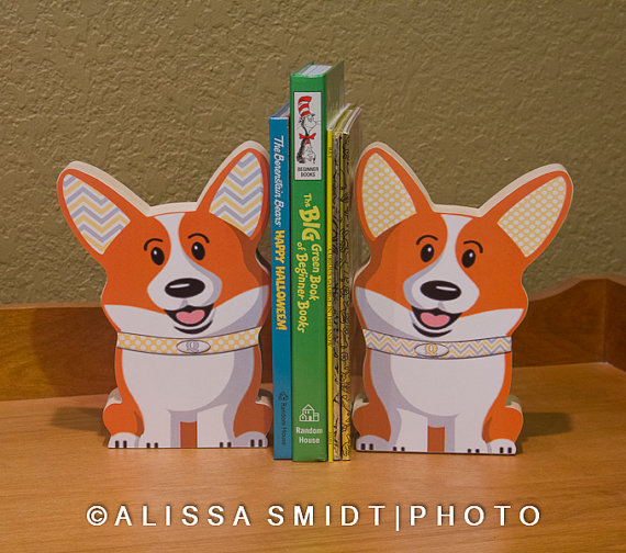 Cute Corgi Bookends by WanderlustbyAlissa on Etsy #doggift #corgi #corgigiftidea