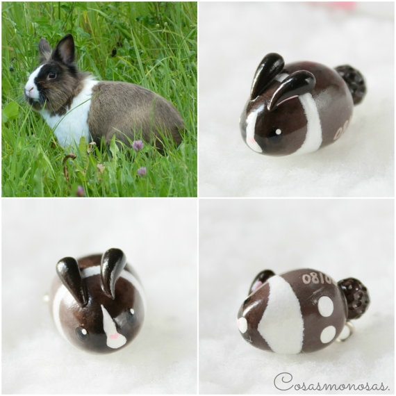 Pet Faves | Custom Pet Jewelry | I always think of jewelry as something that is very personal to give. What is more personal than a customized piece of jewelry? Made from polymer clay, you can gift your pet parent with a charm, necklace, bracelet or brooch that looks just like their pet.